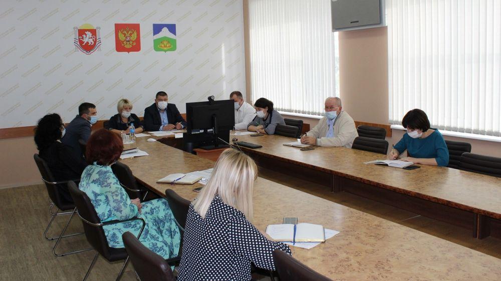 Руководители Белогорского района провели рабочее совещание в режиме ВКС с главами муниципальных образований района