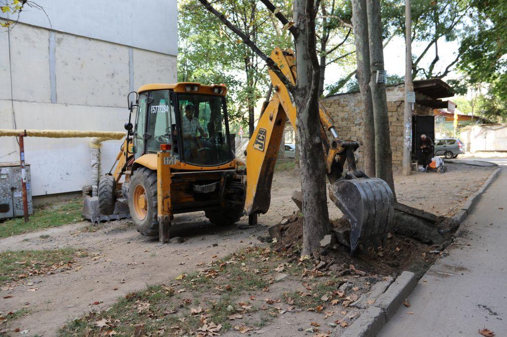 Текущий ремонт дворов в Симферополе выполнен на 90%