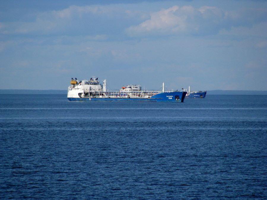 В Азовском море завершили поиски пропавших моряков после взрыва на танкере