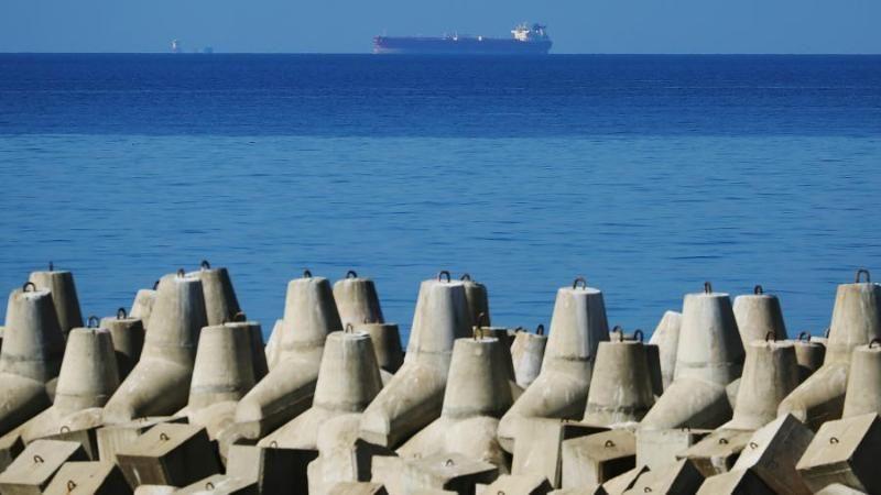 Поиски пропавших в Азовском море моряков остановлены