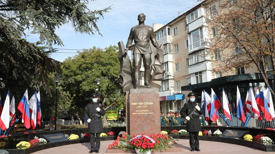 Открытие памятника дважды Герою Советского Союза Амет-Хану Султану имеет огромное значение для нашей республики – Альберт Кангиев