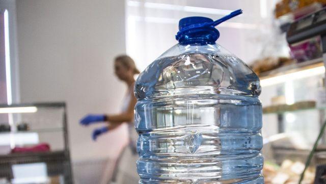 """""""Люди без совести"""": кто завышает цену воды в Крыму"""