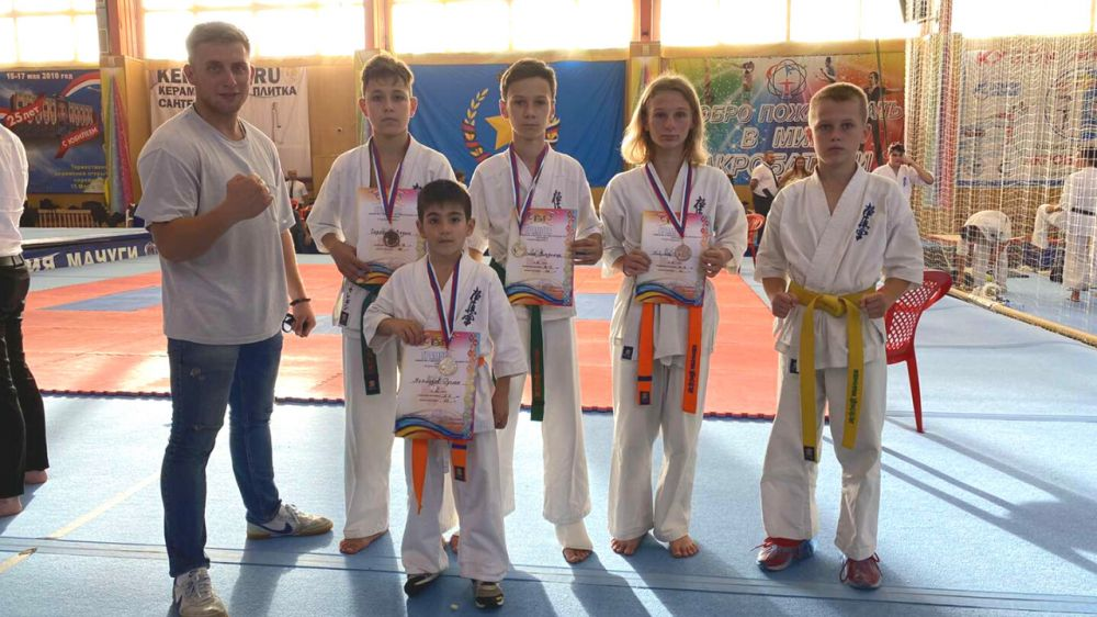 Крымские каратисты завоевали шесть медалей на турнире в Краснодаре