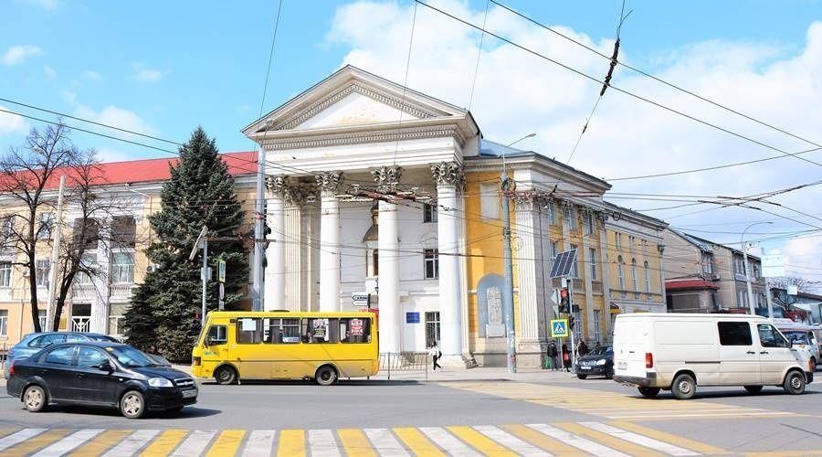 Тротуары возле Центрального рынка Симферополя благоустроят за 82,4 млн рублей