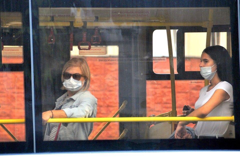 Пассажиров общественного транспорта будут пускать только через переднюю дверь