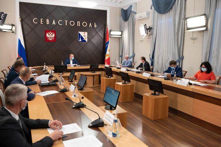 В Севастополе в связи с COVID-19 ограничили работу общепита