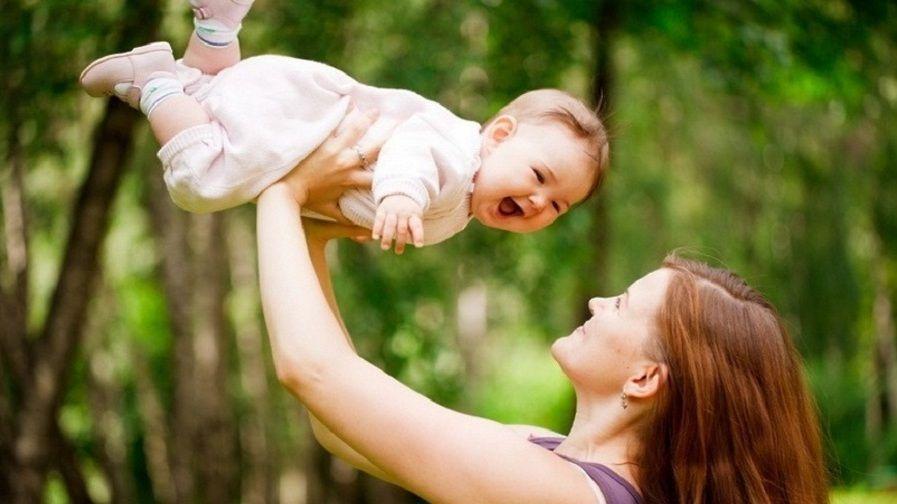 Предоставление ежемесячной выплаты при рождении (усыновлении) первого ребенка продлено в беззаявительном порядке до 1 марта 2021 года