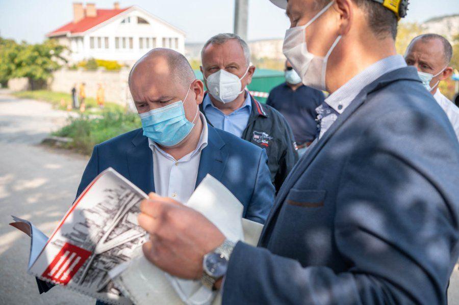 В Севастополе развернулись ремонтные работы на магистральных водопроводах с существенными потерями воды
