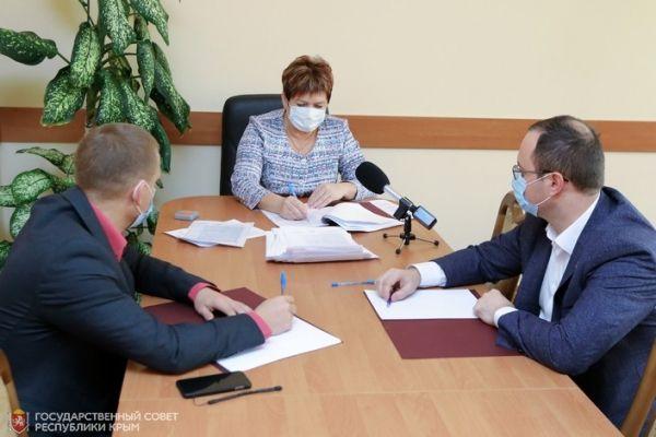 Госсовет Крыма в ходе заочного голосования поддержал ряд законопроектов во втором чтении