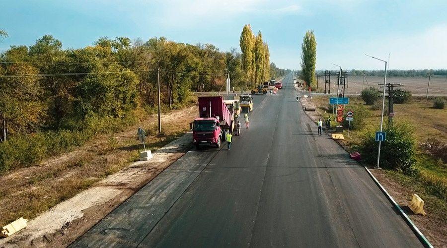 Новый асфальт уложили на 60 километрах трассы Джанкой – Феодосия