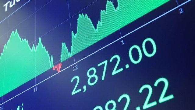 Доллар растет, баррель падает: ситуация на мировом рынке