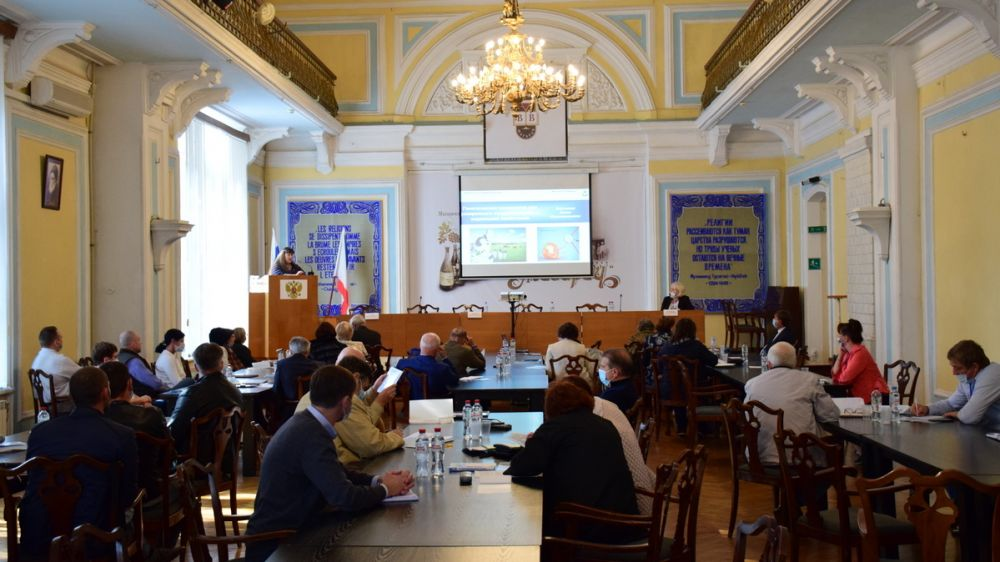 Андрей Рюмшин поприветствовал участников Международной научно-практической конференции «Наука и практика 2020»
