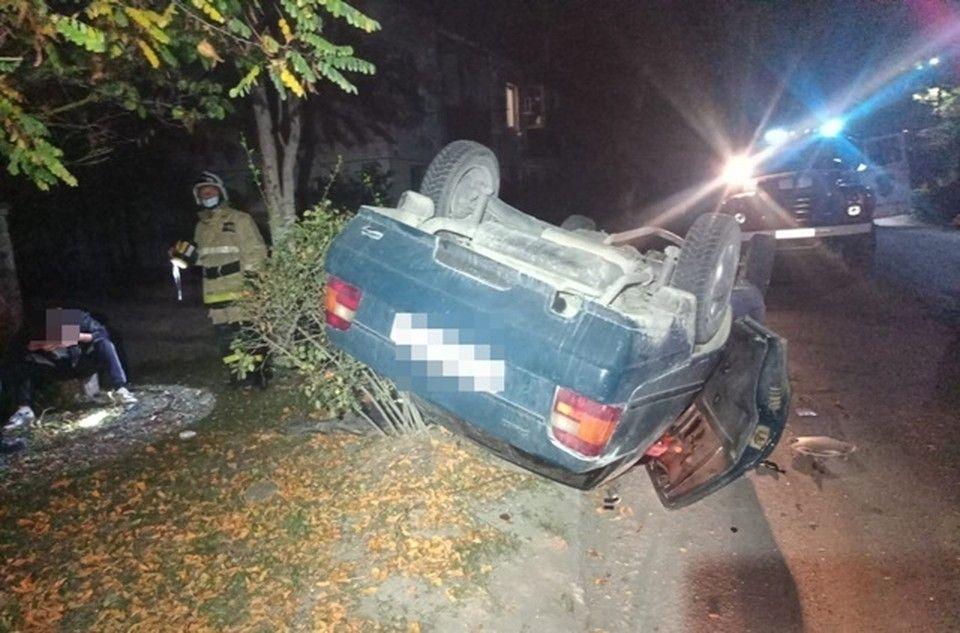 В Приморском перевернулась легковушка с тремя пассажирами