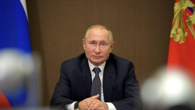 """Путин продлил """"налоговые каникулы"""" и мораторий на проверку бизнеса"""
