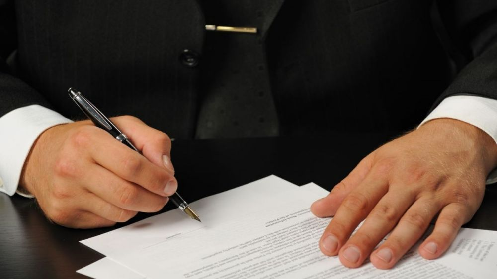 В Севастополе замдиректора Фонда содействия капремонта уволен за утрату доверия