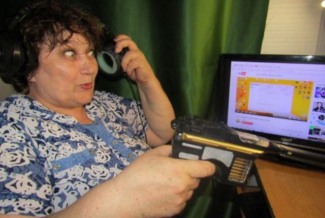 Самая популярная пенсионерка-геймер России переехала в Крым