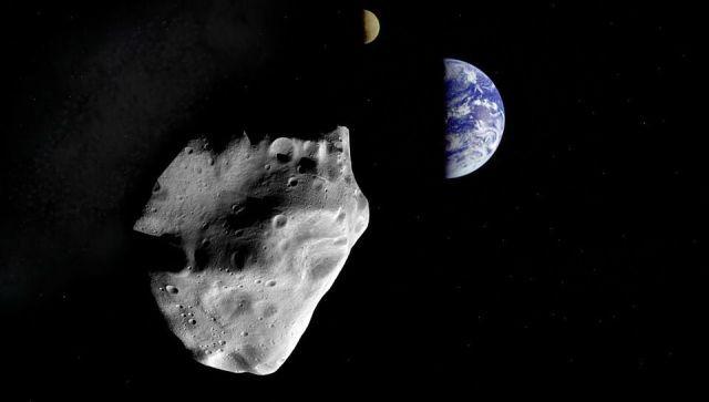 """Может упасть на Землю: ученые обеспокоены """"поведением"""" астероида"""