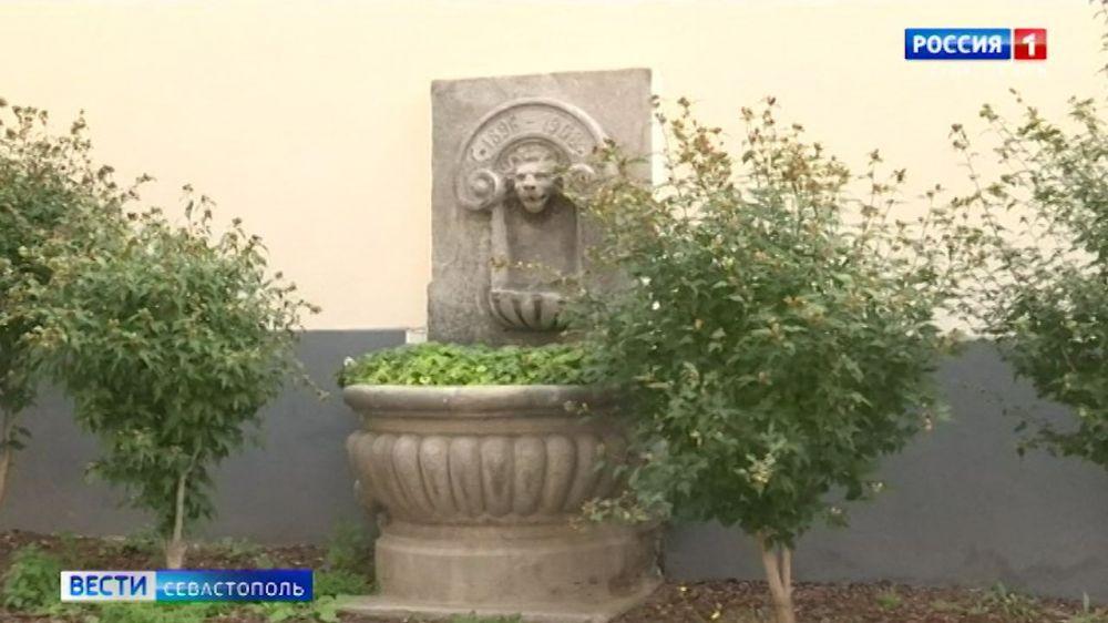Сколько каменных львов на улицах Севастополя
