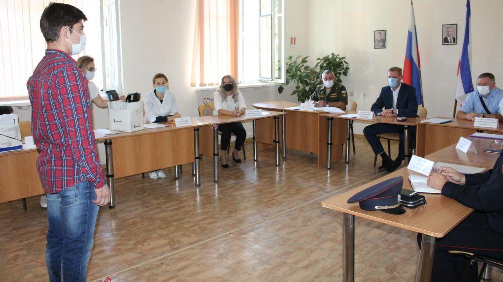 В Симферопольском районе продолжается осенний призыв граждан РФ в Вооружённые силы Российской Федерации