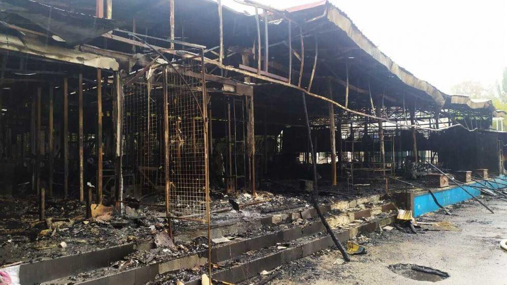 В Феодосии от пожара пострадали 7 торговых объектов