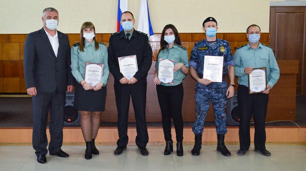 Алексей Михайловский поздравил судебных приставов с профессиональным праздником