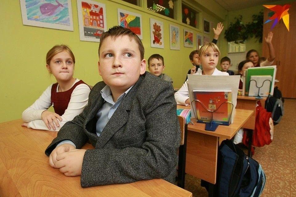 Власти Крыма не намерены продлевать школьные каникулы