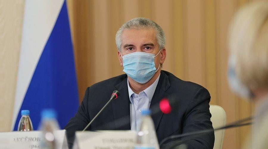 Глава Крыма собирается привиться от коронавируса не раньше врачей и педагогов