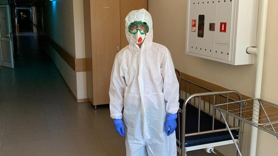 Министр здравоохранения Крыма работает в ковидном госпитале без выходных