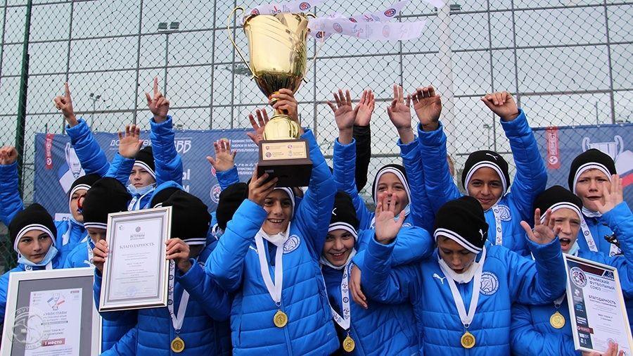 Евпаторийская СШ № 17 выиграла Кубок Главы Республики Крым-2020