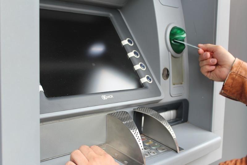 Две пенсионерки из Севастополя попались на уловки мошенников и лишились 300 тысяч рублей