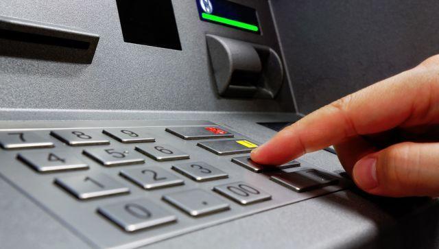 У двух пенсионерок в Севастополе украли 300 000 руб. с банковских карт
