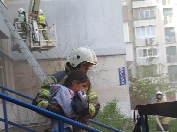 В Феодосии ранним утром потушили пожар в квартире
