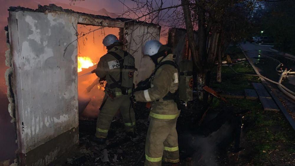В поселке Кача под Севастополем сгорел минимаркет