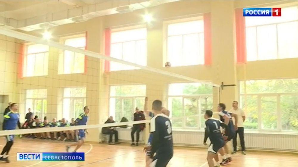 Кубок командующего Южным военным округом по волейболу стартовал в Севастополе