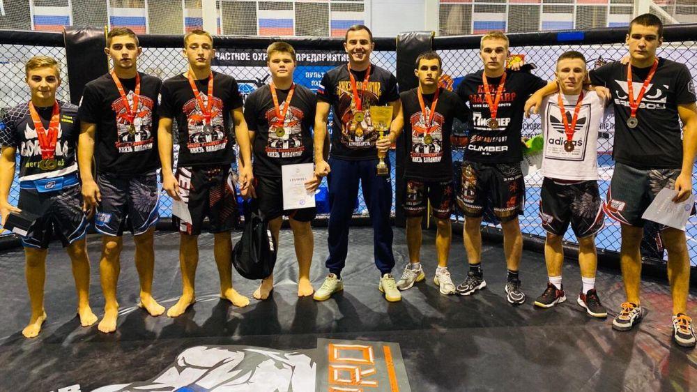 Крымские спортсмены завоевали 8 медалей на Всероссийских соревнованиях по ММА