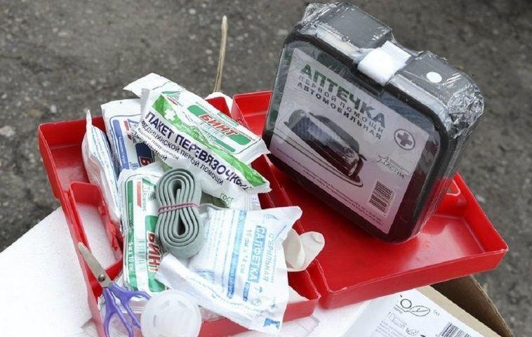 Водителей освободили от обязанности приобретать готовые автомобильные аптечки