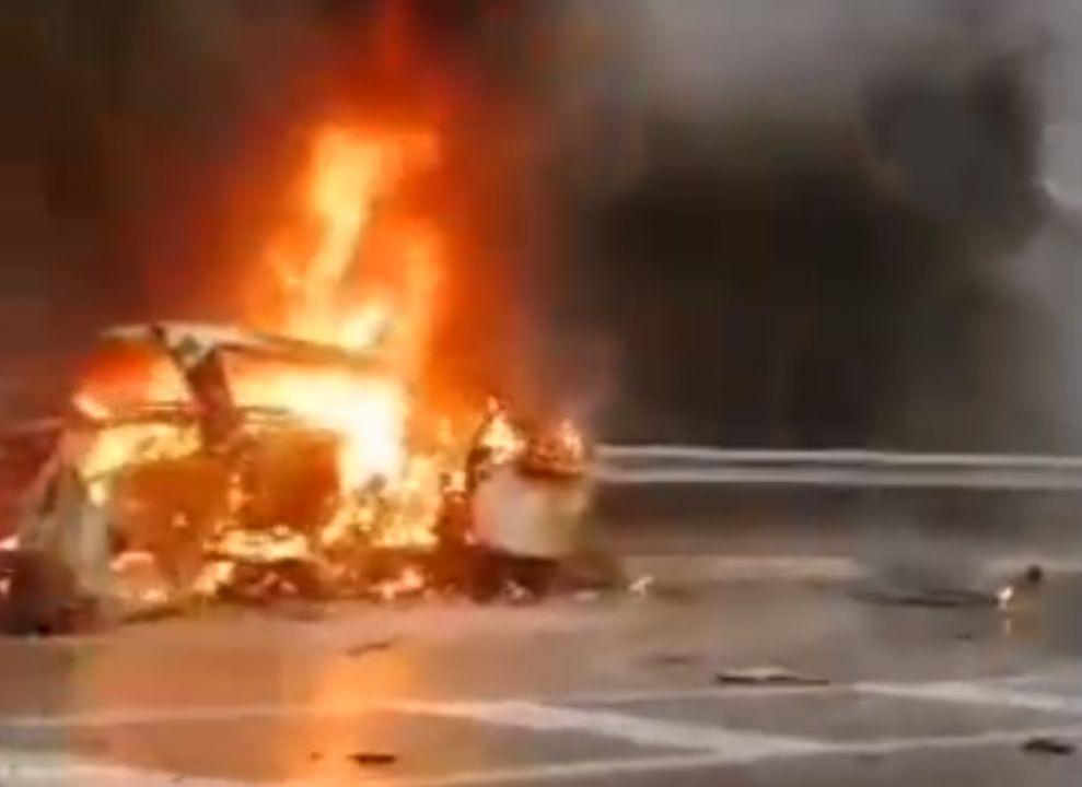 На трассе Севастополь – Ялта в пожаре погиб водитель