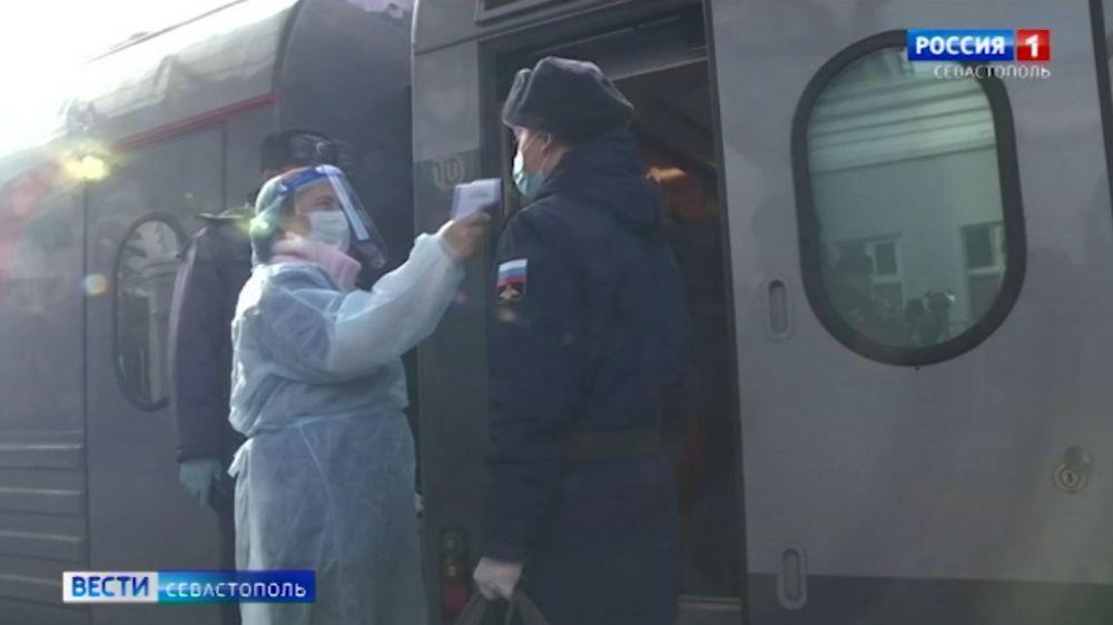 30 призывников из Севастополя отправились на службу в Ростов-на-Дону