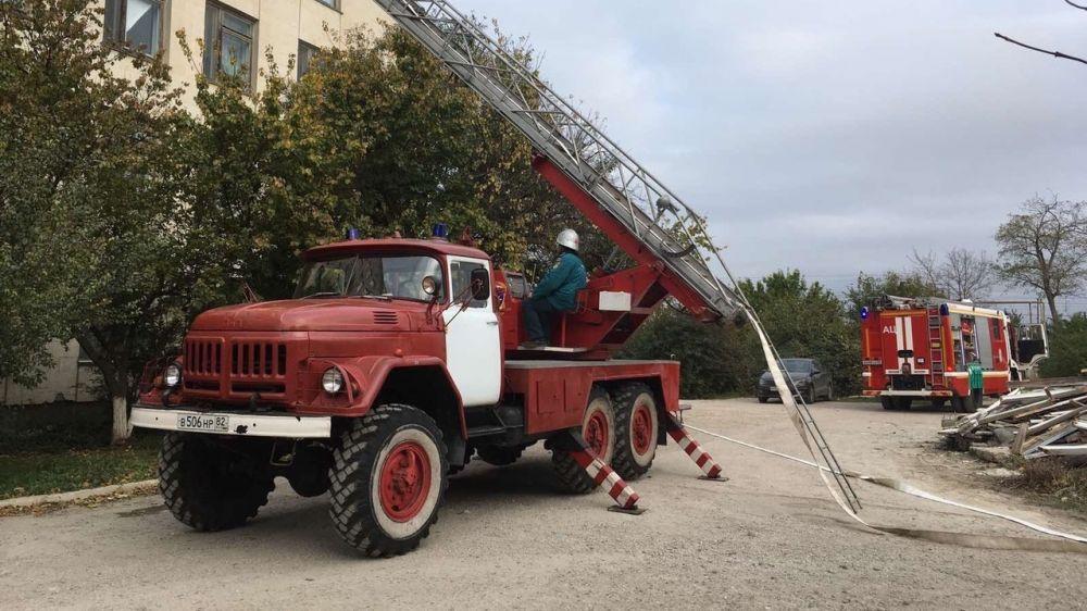 Сотрудники ГКУ РК «Пожарная охрана Республики Крым» совместно с Федеральной противопожарной службой приняли участие в пожарно-тактических учениях на базе медицинского учреждения