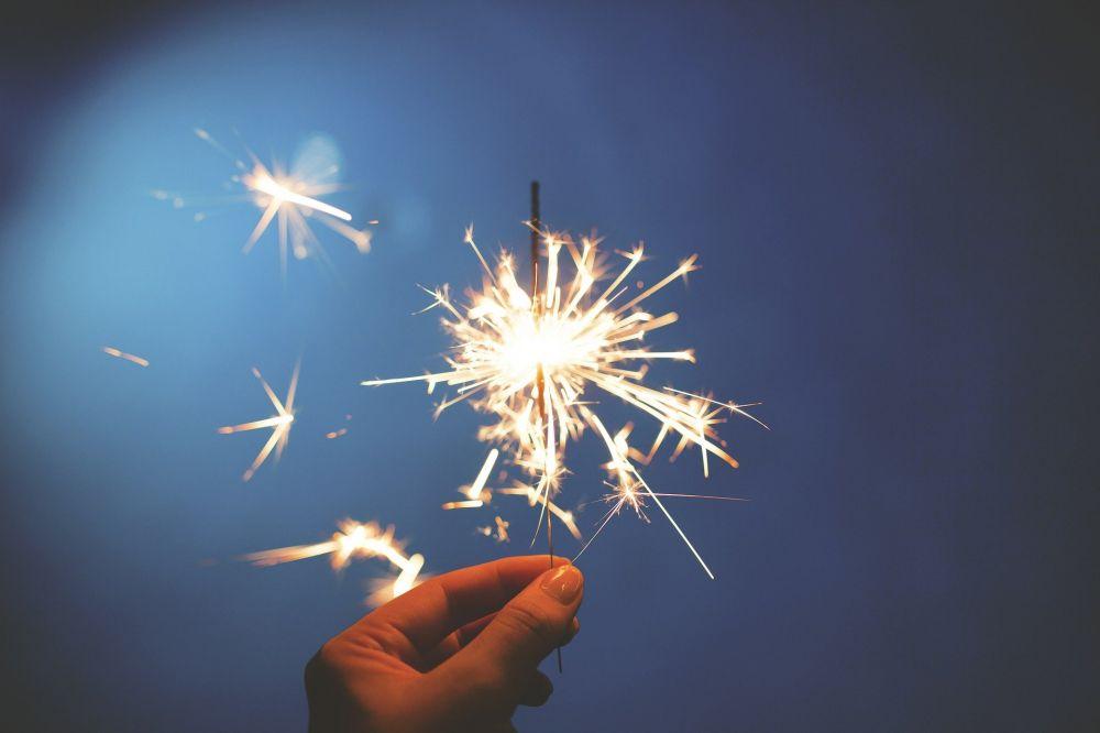 Большинство жителей Крыма не будет тратиться на Новый год из-за нехватки денег. Опрос