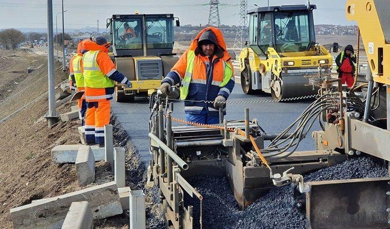 Крым в следующем году на ремонт дорог получит 16 млрд