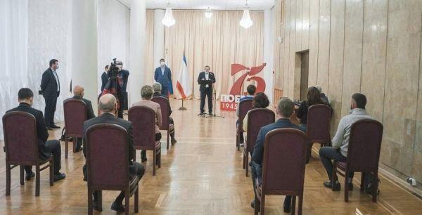 Владимир Бобков принял участие в церемонии вручения памятных адресов Президента Российской Федерации