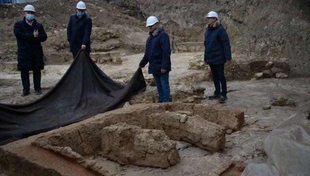 Сохранят ли в центре Севастополя исторические находки 3 века до н.э.