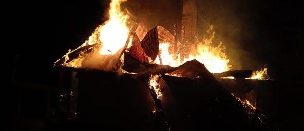 В Бахчисарайском районе сгорел двухэтажный дом