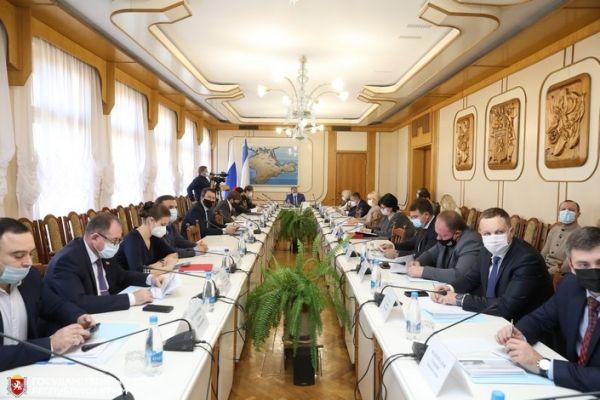 Владимир Константинов провел заседание Экономического совета