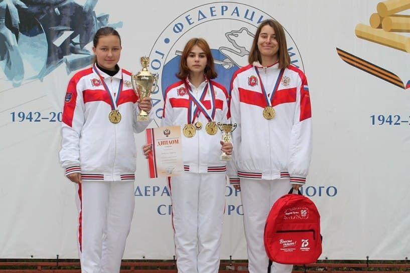Воспитанницы ялтинской спортшколы №6 установили рекорд России