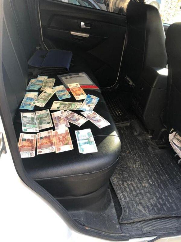 Жительница Волгограда вместе с «порчей» сняла сотни тысяч рублей у крымских пенсионеров