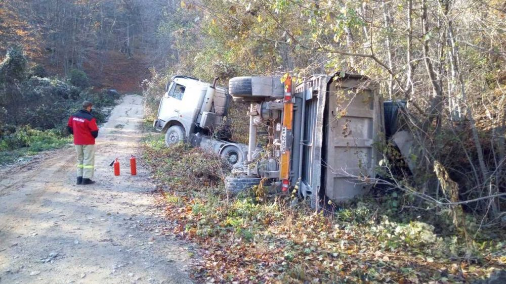 Под Судаком водитель грузовика ушел в улавливающий тупик из-за отказа тормозов