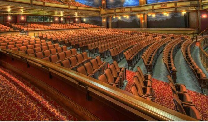 Спектакли возвращаются: Крымские театры будут работать в новогодние праздники