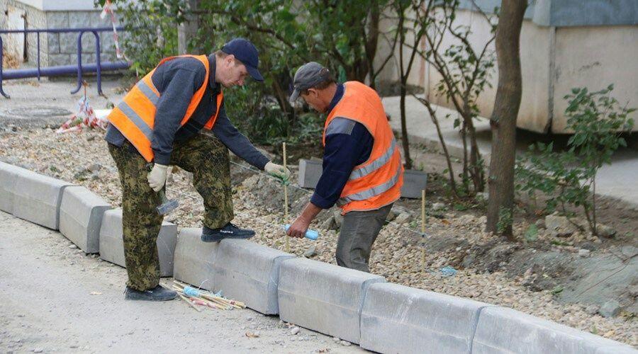 Благоустройство дворов в Симферополе выполнено на 85%